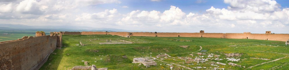 Lucera-Panoramica-del-Castello_cropped